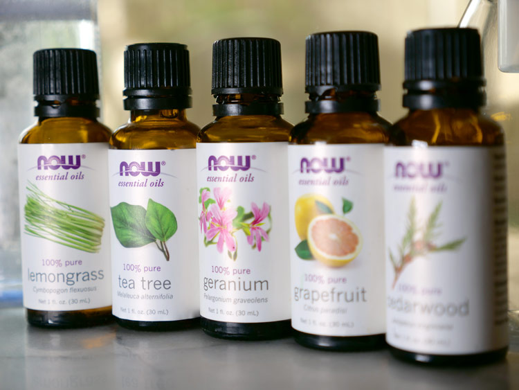 clean yoga mat essential oils